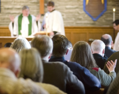 Welcoming evangelical, charismatic and catholic streams